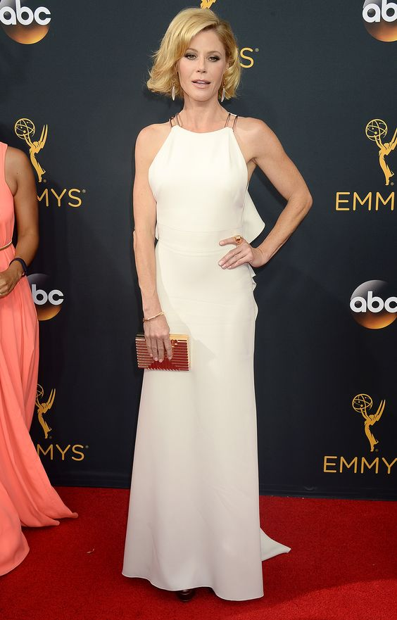 Julie Bowen - 68th Annual Emmy Awards in LA - 9/18/16