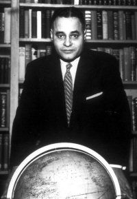 essay on ralph bunche Ralph bunche - biographical ralph johnson bunche (august 7, 1904-1971) was born in detroit, michigan his father, fred bunche, was a barber in a shop.