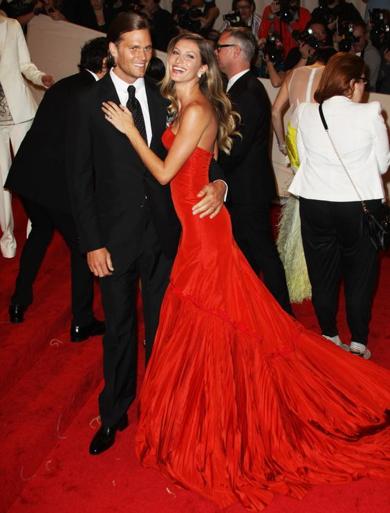 Her dress, her hair, her attitude, omg Gisele is amazing!!!