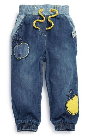 Jeans, goes with a grey t-shirt. But the jeans are a bit to expensive in such little sizes.