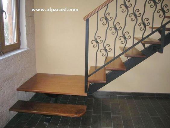 Escalera de estructura met lica con pasos en madera maciza - Barandillas de forja para escaleras de interior ...