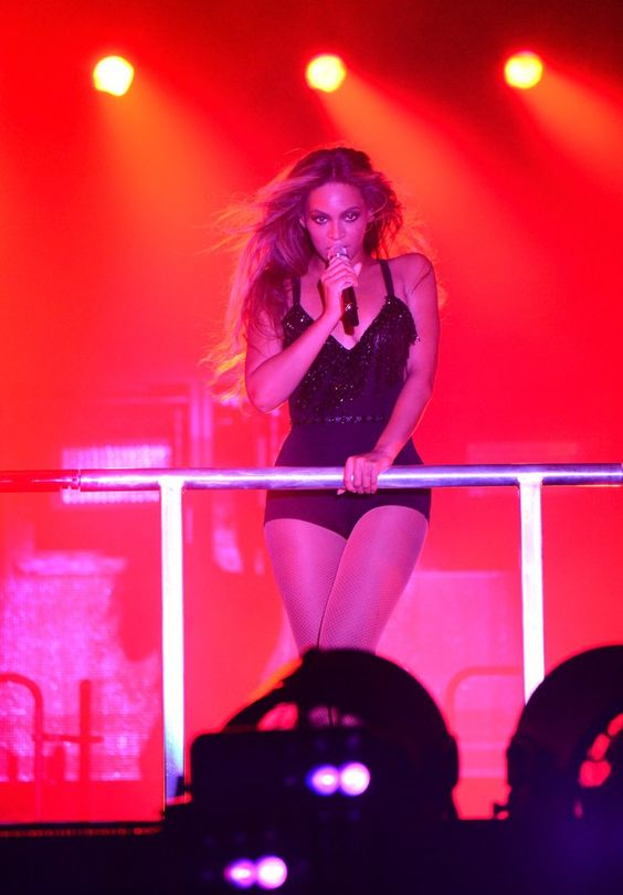 Pin for Later: On the Run, For Real: Beyoncé and Jay Z Serve Up a Sexy Kickoff Show
