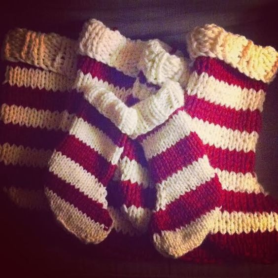 Easy Knitting Ideas Pinterest : Free striped knit stocking pattern quick and easy