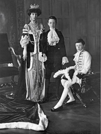 Consuelo, Duchess of Marlborough; born Consuelo Vanderbilt, 2 March 1877 – 6 December 1964) and her two sons, left, Lord Ivor Churchill and the Marquess of Blandford
