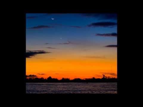 Vinicius Cantuaria - Lua e Estrela A musica que me lembra da minha infancia.