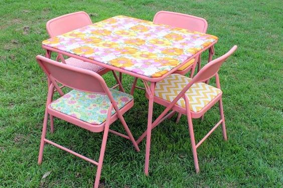 Upcycle metal chairs & card table with fabric & spray paint