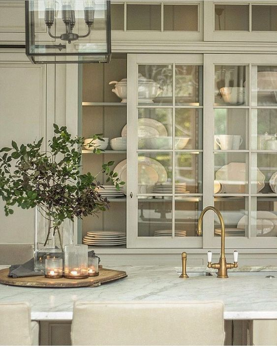 Sliding cabinet doors for China