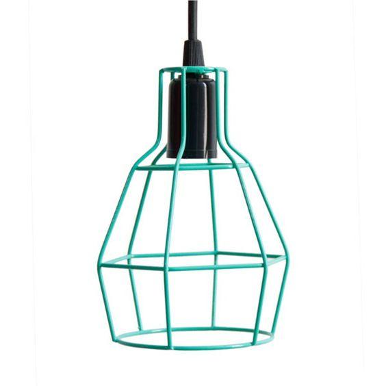 Luminaria Pendente Aramado NU <br>Design Estilo Industrial <br> <br>Segue junto parte el�trica com fio de 50cm e acabamento para o teto (canopla na cor preta)