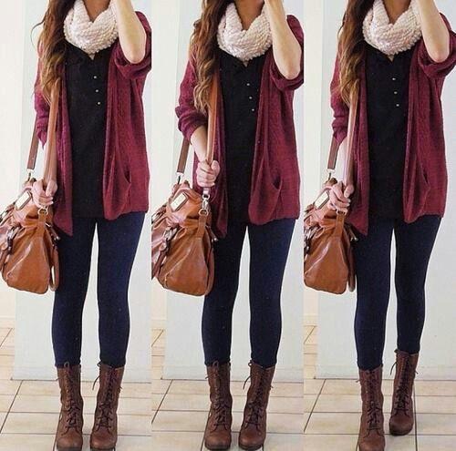 Un estilo muy de otoño!! Las botas, la bufanda!! Un look para la escuela o salir con tus amigas!!