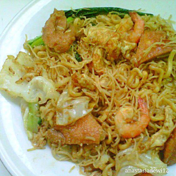 レシピとお料理がひらめくSnapDish - 4件のもぐもぐ - Bakmie Goreng Seafood (Seafood Fried Noodle). by Anastasia Dewi