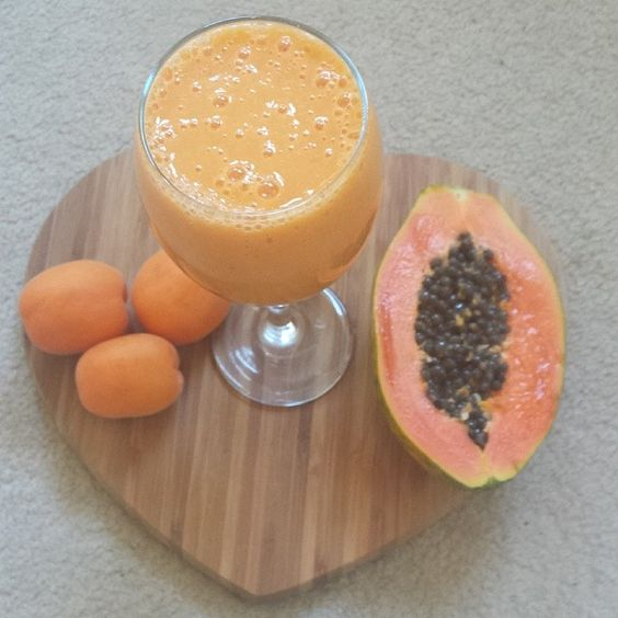 Good morning Papaya Apricot Smoothie - half papaya - 4 full apricot - Almond milk  Enjoy
