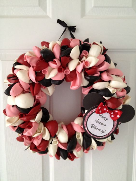 Minnie Mouse Balloon Wreath 16 by victoriapratt1 on Etsy, $50.00