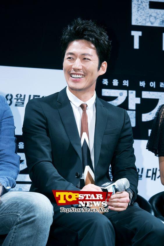 #장혁(Jang Hyuk), 장혁(Jang Hyuk), '환한 웃음~' …영화 '감기'제작보고회 현장 [KMOVIE PHOTO] - 톱스타뉴스