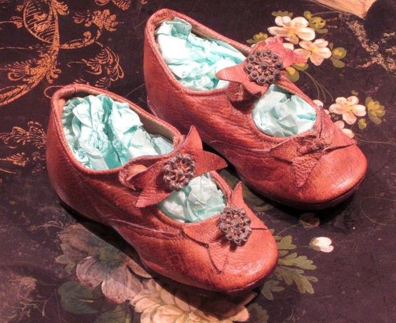 """Antique Victorian Leather Doll Shoes 4.5"""""""