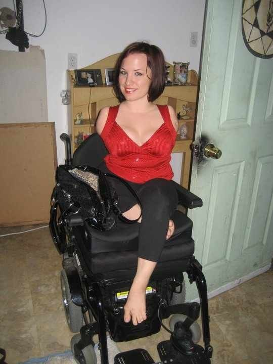 Pin By 404 On Amputee Double Arm Wheelchair Women Fashion Women