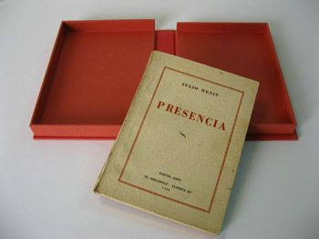 """Julio Denis. Presencia. """"El bibliófilo"""", Buenos Aires, 1938. First Edition. Clamshell box. Outside of red cloth and inside of red Canson French Paper."""