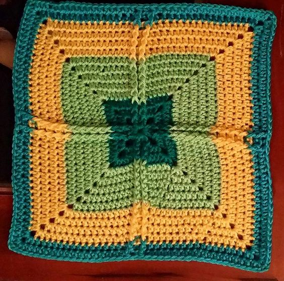 Ribbed Cross Granny Square ~ free pattern ᛡ: