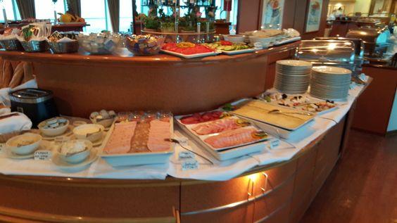lecker Frühstück an Bord der MS Seine Comtesse