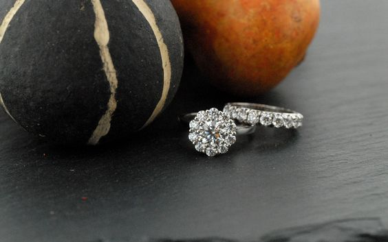 Start your story this autumn with beautiful Hearts on Fire diamond engagement rings!