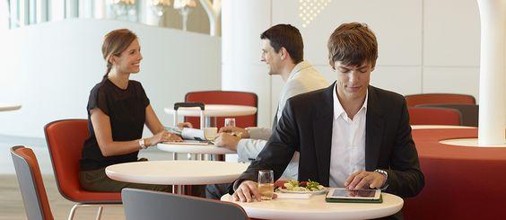 Classe Business - Enregistrement rapide et prioritaire à l'aéroport, vol pas cher en cabine Business - Air France - Le personnel d'Air France vous accueillera aux comptoirs de la classe Business dans tous les aéroports, pour un enregistrement des bagages plus rapide.