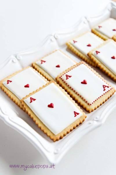 Queen of Hearts~       Cookies, Herz-Ass Cookies, Alice in Wonderland~     By My Cakepops on Facebook, Red, white