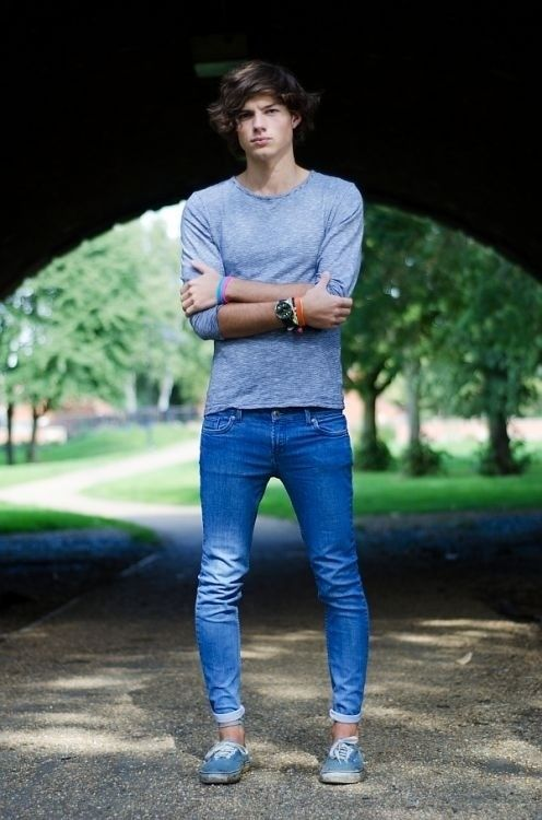 Cute guy, wearing his girlfriend's jeans.... | Things everyone ...