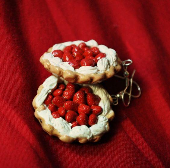 027_strawberry_pie_earrings_by_zoshalucyna