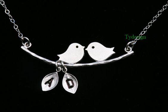 Pájaro en la rama Kissing collar de aves dos hoja por tydesign, $30.00