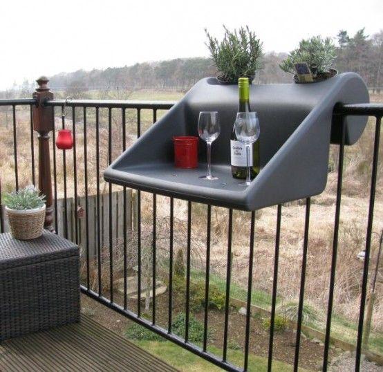 Gain de place pour le balcon! Voici 21 accessoires très pratiques…
