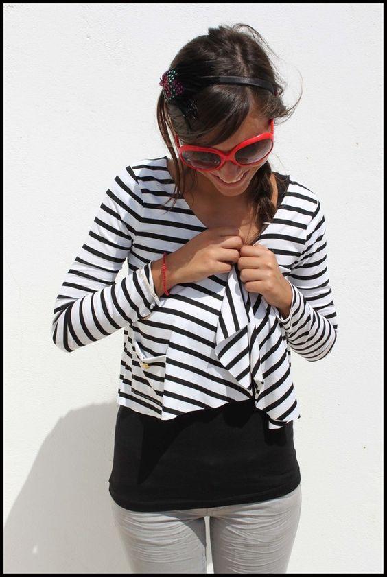 Schwarz-weiß gestreiftes Jäckchen // cardigan with black and white stripes via DaWanda.com