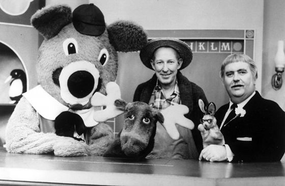 In this story from June 1967, TV's Captain Kangaroo discusses the importance ofgiving unselfishly of ourselves to others.