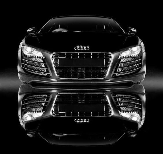 #Audi #R8 via CoolPile.com #Algérie L'Audi R8 coupé. Ses courbes athlétiques…