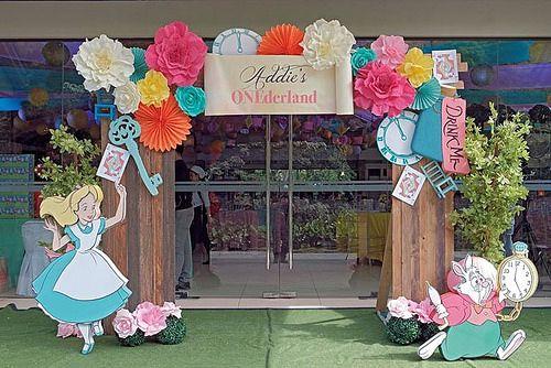 Entrance 2 Alice In Wonderland Tea Party Birthday Alice In Wonderland Decorations Wonderland Party Decorations