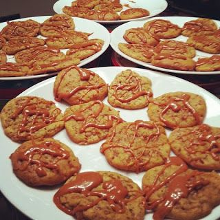 Pumpkin Toffee Cookies with Salted Caramel Glaze | nom noms ...