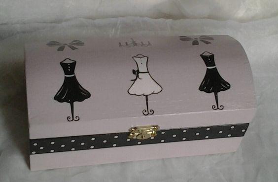"""Petit coffret à bijoux """"haute couture"""""""