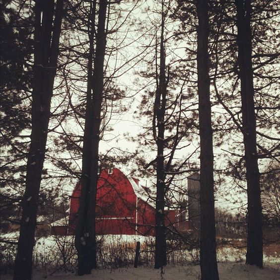 Harter Barn @ Silver Creek Metro Park, Ohio - Photo by katyliz09