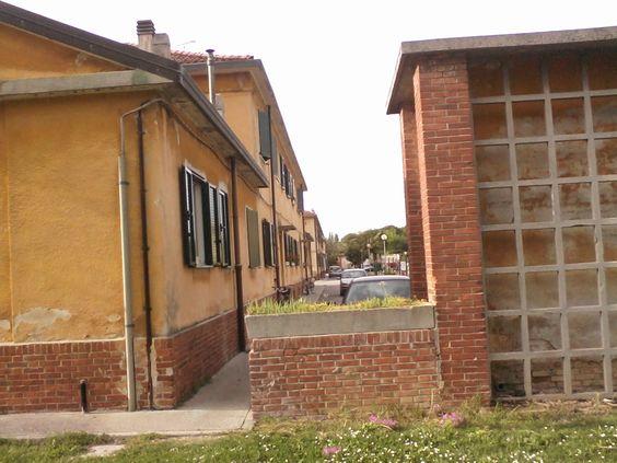 case gialle . tipologia di case destinate agli operai dell allora SNIA VISCOSA