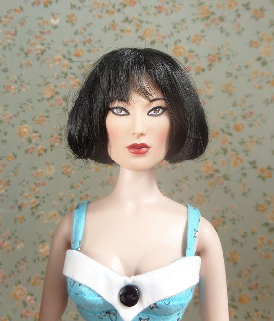 Poolside Carrie - portrait [Tonner Stacked Deck Spade (T15FTSD04) doll; Tonner Kir Royale (T8RWDD08) wig; Ashton Drake (93528) bikini; Tonner All Vintage Peggy (T13DDBD02) shoes]