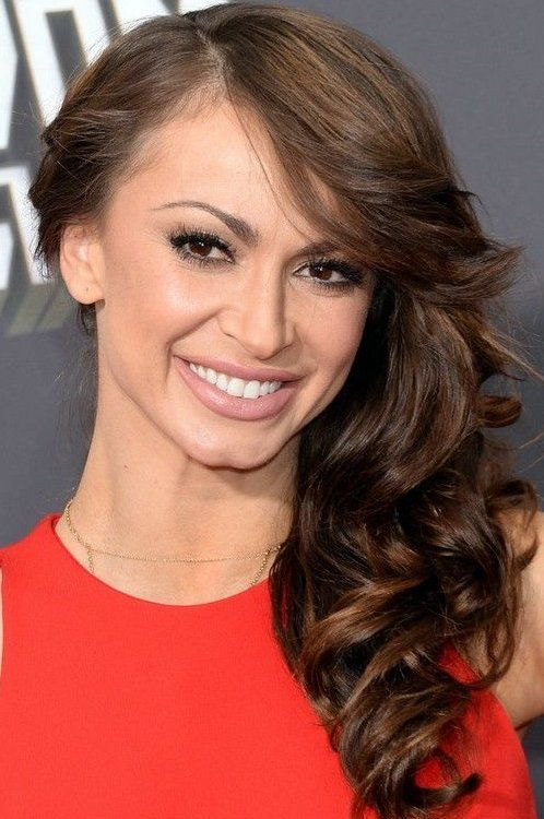 Karina Smirnoff Deep Side Parting Long Curly Hairstyle In 2020 Medium Length Hair Styles Hair Lengths Long Curly Hair