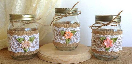 Ideas de decoración reciclando botes y tarros de cristal para hacer manualidades y bonitos objetos decorativos.
