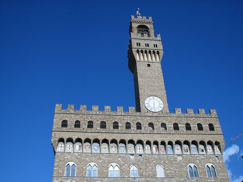 Blue skies over The Uffizi, #Florence #travel