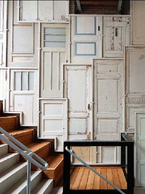 Unique old wood doors and wall decor on pinterest for Decoration fenetre post it