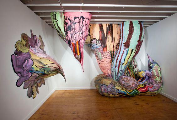 """""""Pintura Artificial"""", by Henrique Oliveira. 2010"""