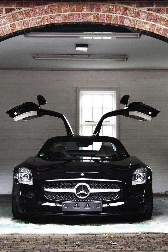 Black Mercedes SLS