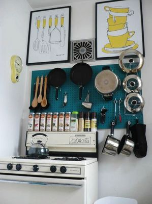 Doing this in my kitchen ! : Julia Child, Tiny Kitchen, Kitchen Storage, Small Kitchens, Peg Boards, Storage Idea, Kitchen Pegboard, Small Spaces