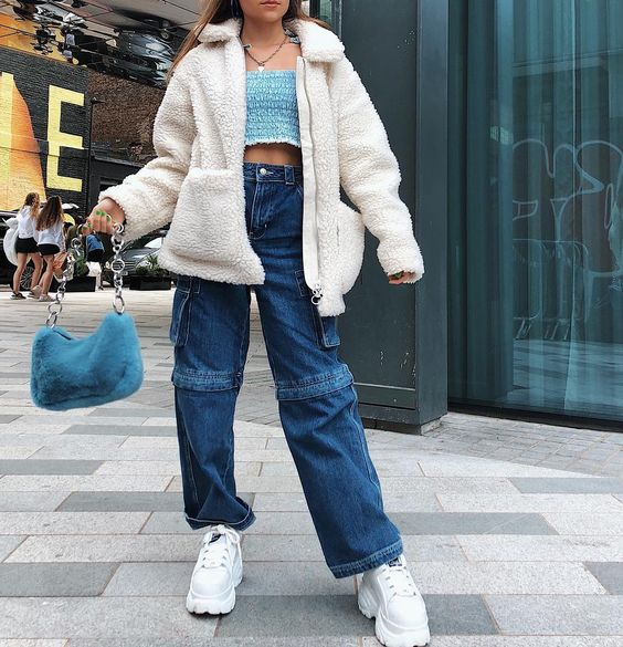 """Lovevie🧚🏻♀️🍒 on Instagram: """"My outfit from the other day💙❄️🚙🗺🗾💎 thank you @topshop for the bits💘💘 going to do swipe up links for everything on my story now"""""""