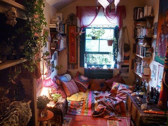 hippie bedroom   Tumblr A little too much going on, for my taste ...