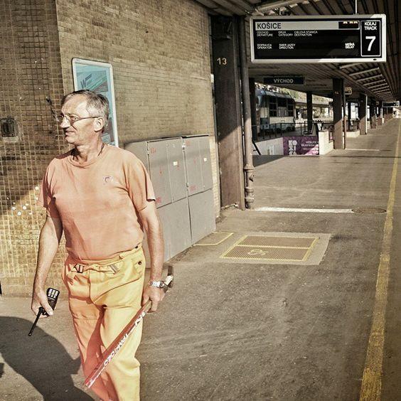 A Train Man Orange. Photo by: Matias Lindblom
