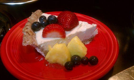 Vegan, gluten-free raw cashew cheesecake recipe.