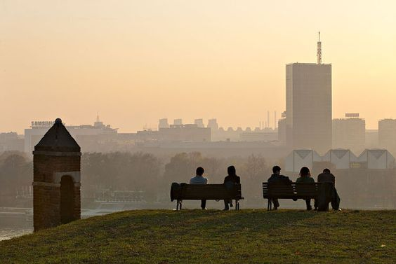 Belgrad, die graue Schöne an der Donau - Belgrad ist vieles – auf den ersten Blick grau, auf den zweiten eine junge, lebendige Stadt mit vielen bunten Farbtupfern. Vor allem aber prallen hier Alt und Neu, Jung und Alt aufeinander. Zum Reisebericht: http://www.nachrichten.at/reisen/Belgrad-die-graue-Schoene-an-der-Donau;art119,1763634 (Bild: rofi)
